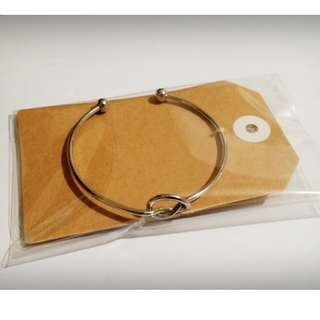 Knot bangle (Silver/Rose Gold) + FREE POSTAGE