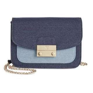 INC international sling bag
