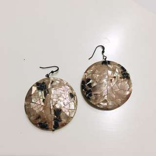 Shell Round Earrings