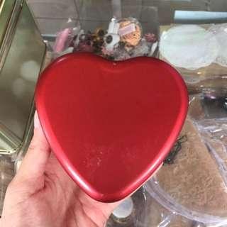 Kaleng Love