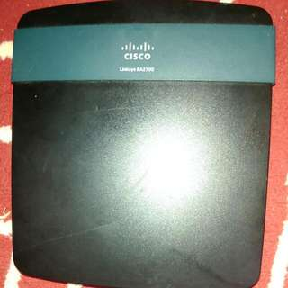 Cisco Linksys EA2700 Router Working Condition