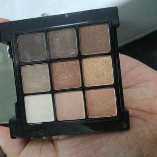 NYX eyeshadow nude palette