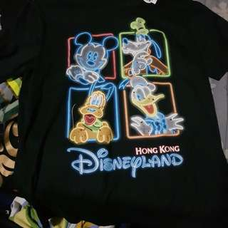 Disneyland Glow in the dark Shirt   NOT  USED  TAG INTACK