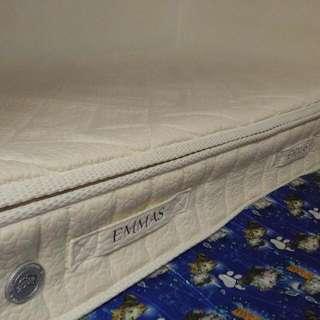 Emmas 床褥