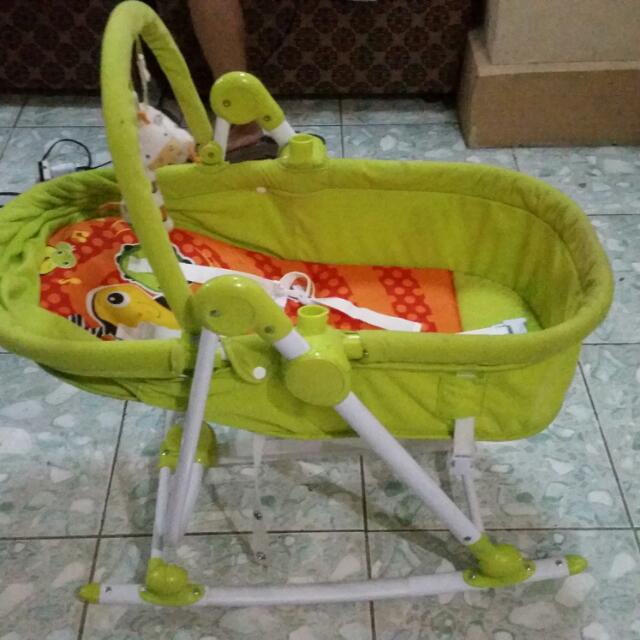 2 in 1 Rocking Bassinet & Chair