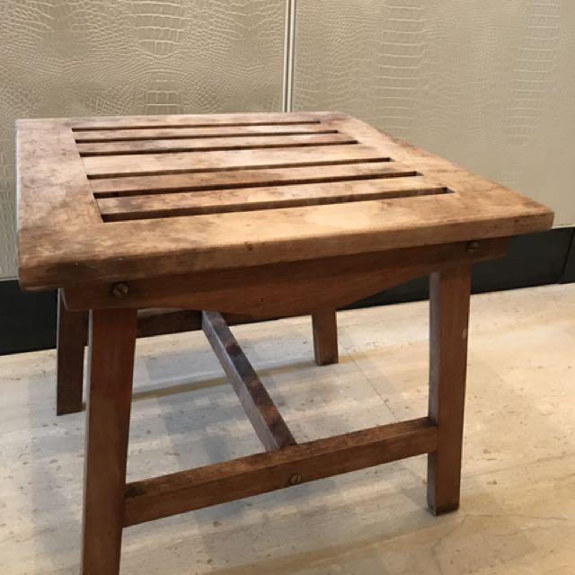 50*50cm 舊舊的木頭桌