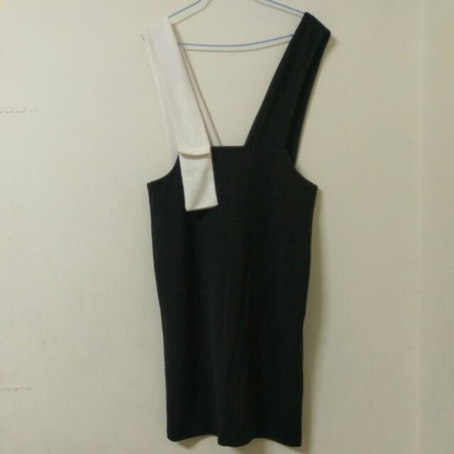 超特別黑白吊帶裙