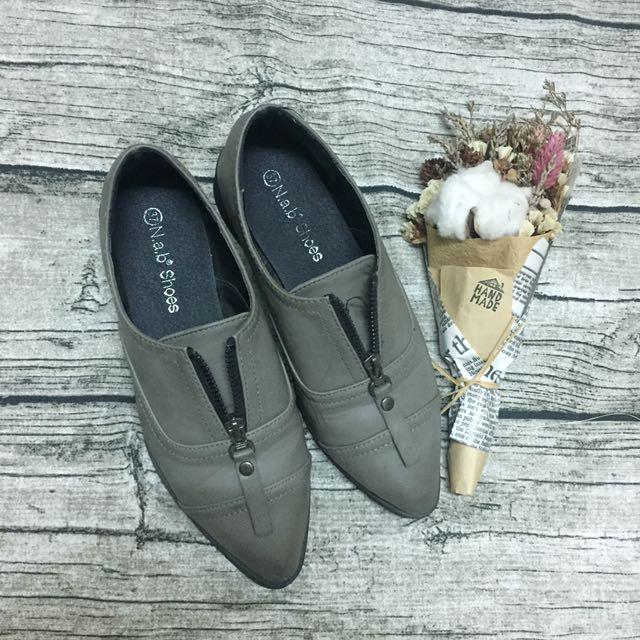 二手 鐵灰牛津鞋 平底鞋 尖頭鞋