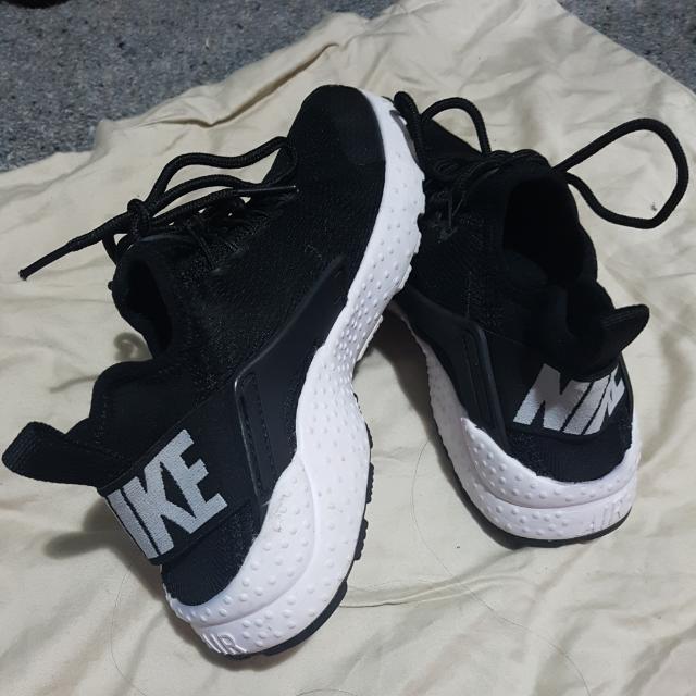 Authentic Nike Huaraches