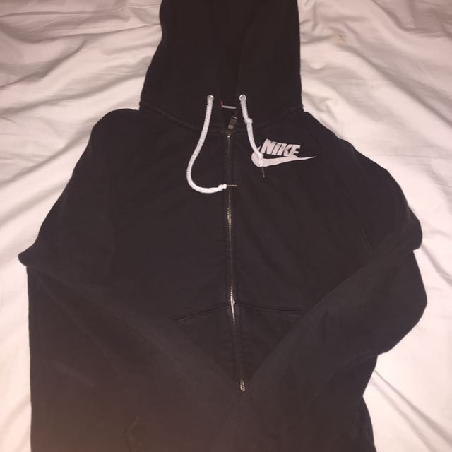*SOLD* Authentic nike zip jacket