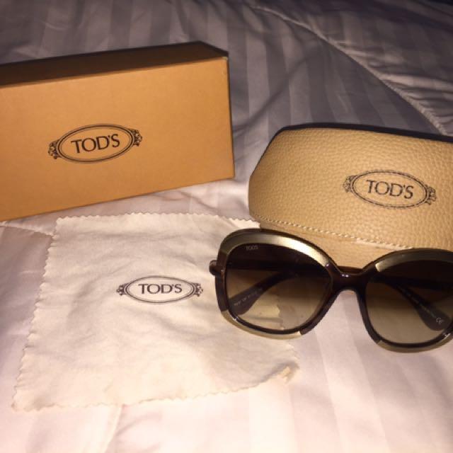 b33e9cbd998a2 Authentic Tods Sunglasses