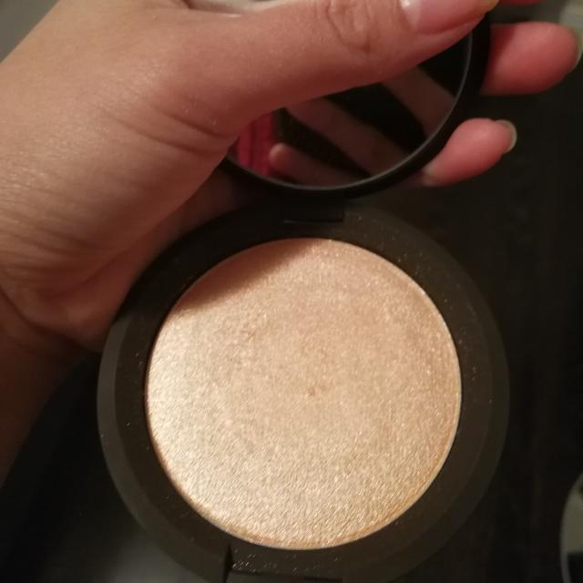 Becca Shimmering Skin Perfector - Champagne Pop