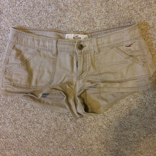 Beige/Nude Hollister Short-Shorts