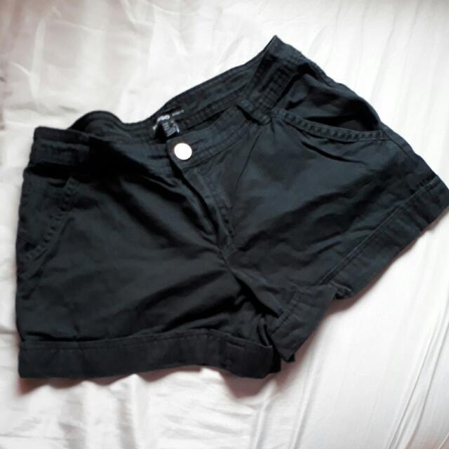 Black Mango Basic Shorts. Size 1. VGC.