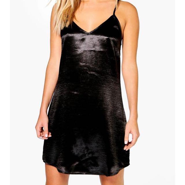 BOOHOO silk Dress