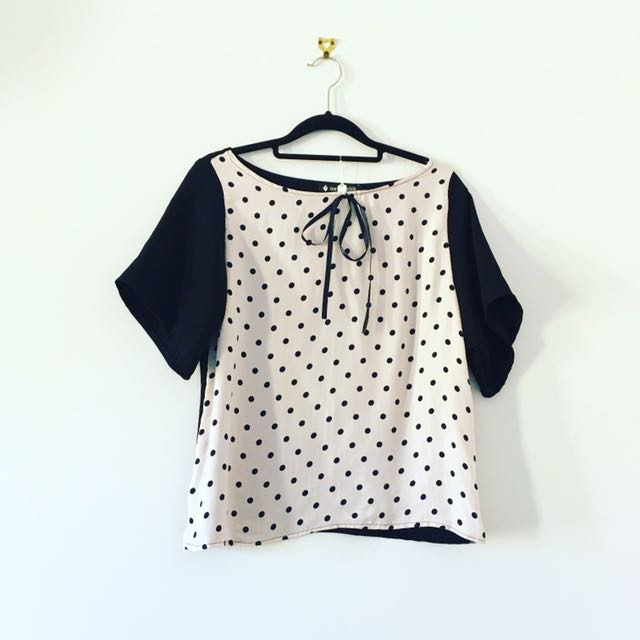 Cute Pink And Black Top Size 6