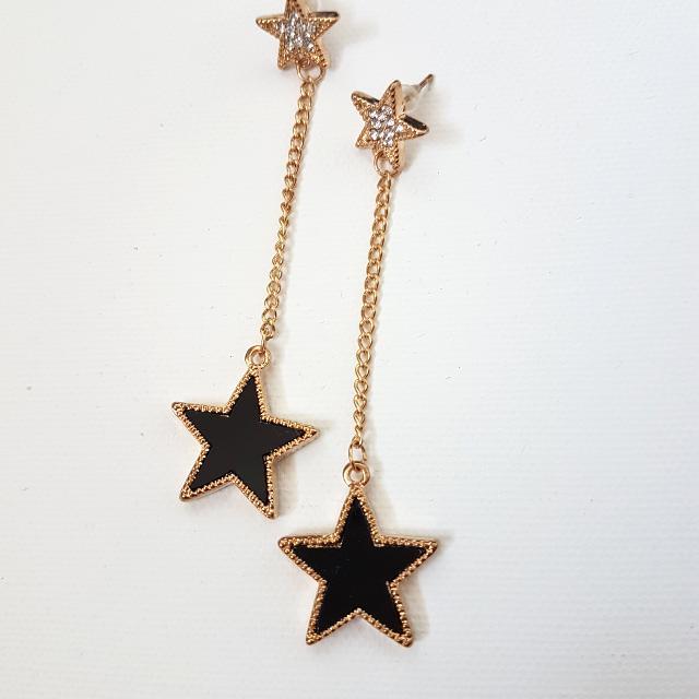 Dangly star earrings