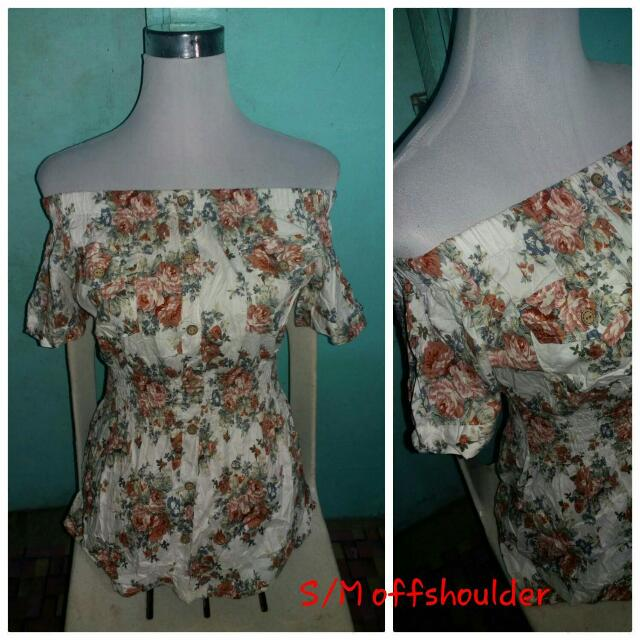 Floral Off Shoulder SMALL to MEDIUM
