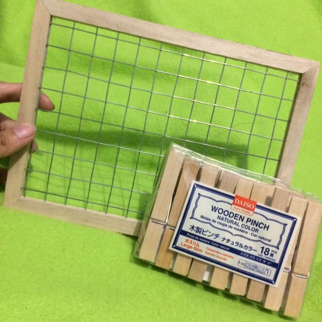 Frame And Wooden Pinch Set