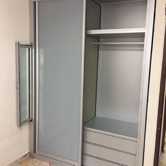 Full High Aluminium Wardrobe And Door With Glass
