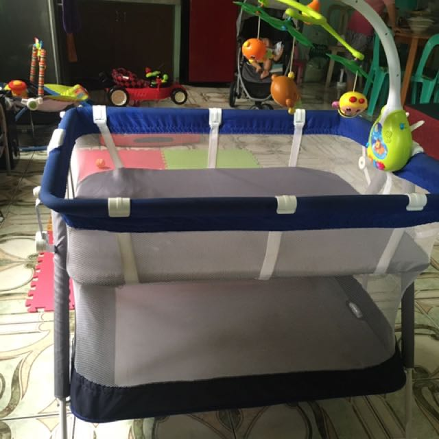 Giant Carrier Crib