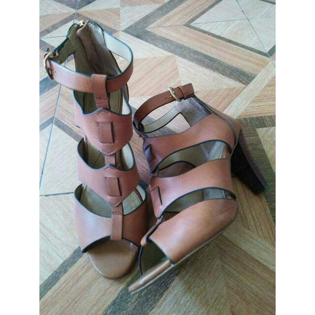 ISola heels shoes size: 8.5