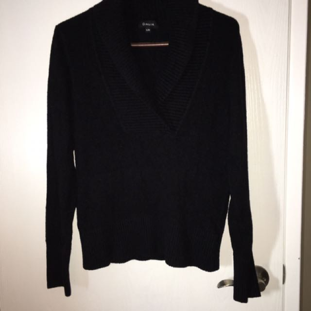 Ladies Black Sweater -size Large