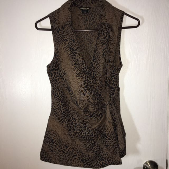 "Ladies ""Guess"" Top Size Medium"