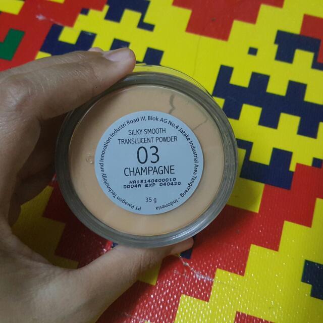 Make Over Translucent Powder - 03 Champagne