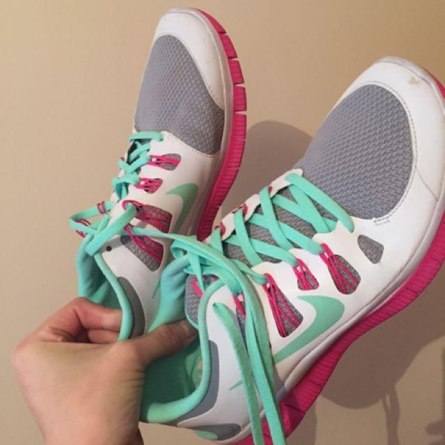 Nike Free Run Size 9