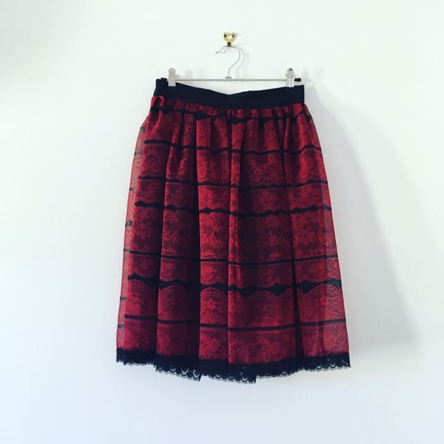 Retro Lace Skirt Size 8