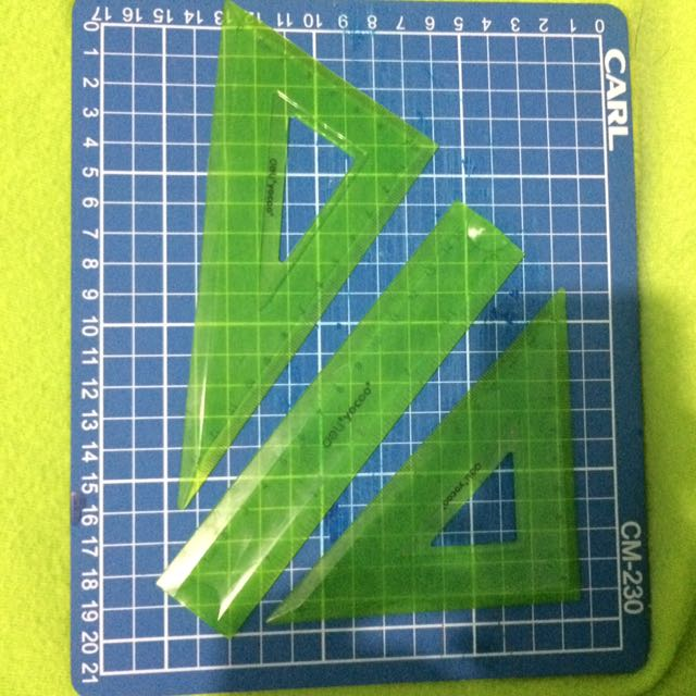 Deli Bendable Ruler And Triangle Set