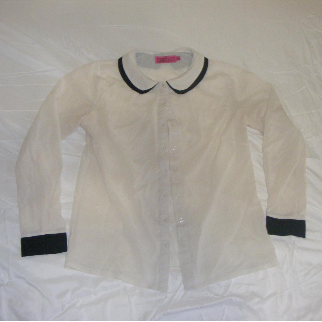 Scallop collar blouse