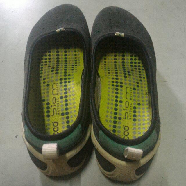 Sepatu ecco biom a613a418f7