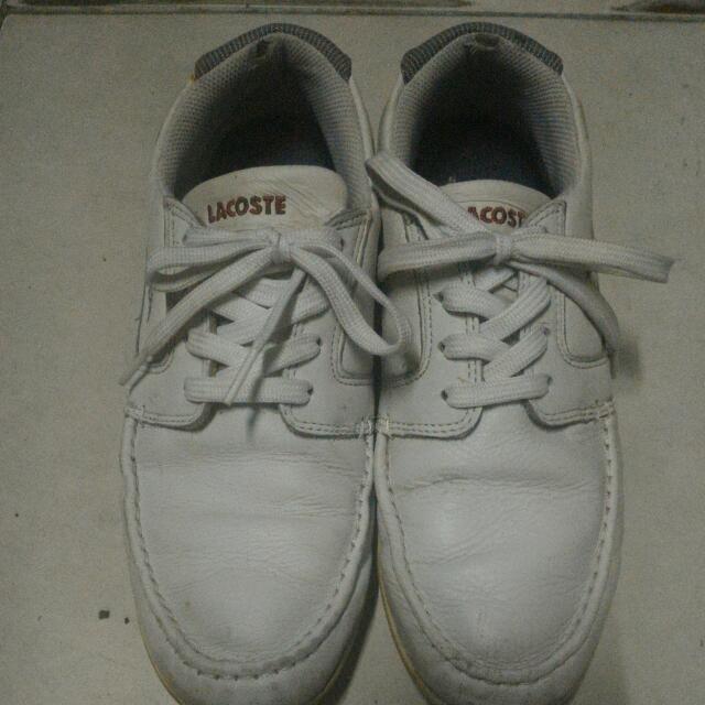 Sepatu LACOSTE f38210e32d
