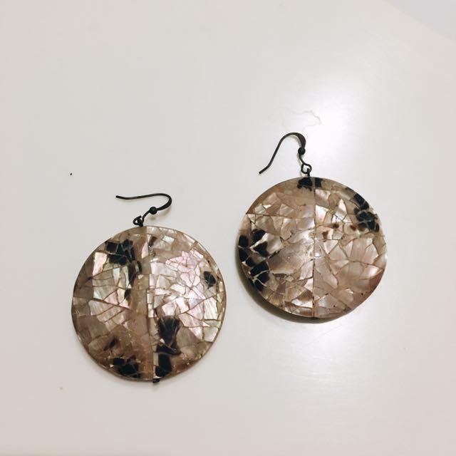 Shell Round Earrings