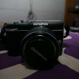 Kamera Mirrorless Olympus Epl1 Dan Lensa Kit Mint Condition