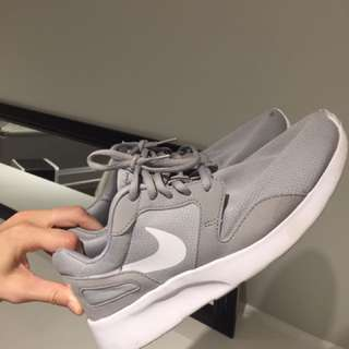 Size 10 Nikes
