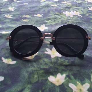 BLACK CIRLCE SUNGLASSES
