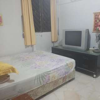 Cheap Room Rental 10min From Mrt