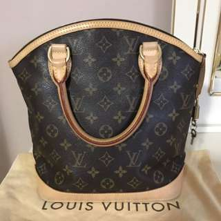 Louis Vuitton Vertical Lock It