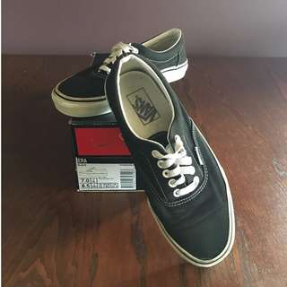 VANS authentic black classics