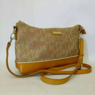 tas sling bag brand Valentino Roedy authentic