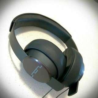 Sol republic Master tracks Around-ear Headphones
