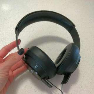 Sol Republic Master Tracks X3 Headphones DEMO