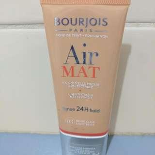 BOURJOIS Air Mat foundation, shade 03 light beige