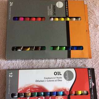 acrylic and oil paint tube sets