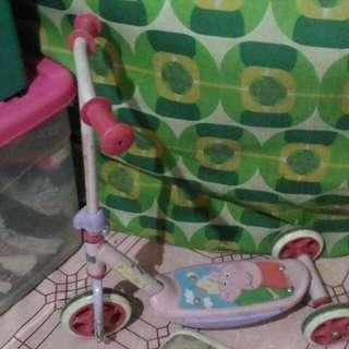 Scooter Peppa Pig Almost New Naka Stock Nalang.