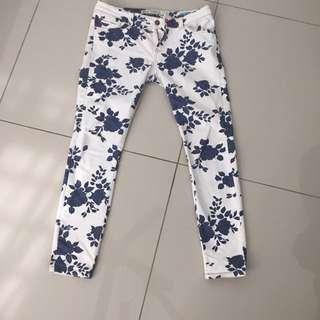 authentic zara printed jeans 36