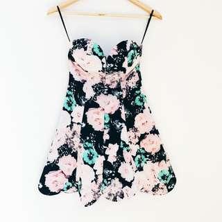 • Tulip Dress 🌷•